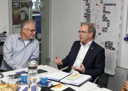 Architekt Michael Rebholz im Gespräch mit Handwerkskammerpräsident Gotthard Reiner