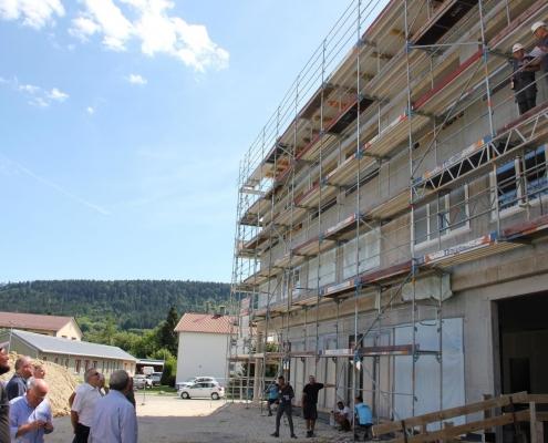 """Beim """"Schlossberg-Hotel"""" in Wehingen wurde Richtfest gefeiert. (Foto: Michael Hochheuser)"""